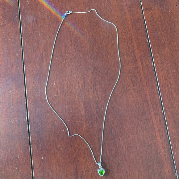 Jewelry - Sterling Silver Peridot Heart Necklace